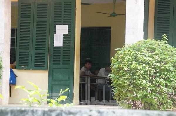 Cận cảnh an ninh trong, ngoài phòng thi THPT Quốc gia tại Hòa Bình ảnh 9