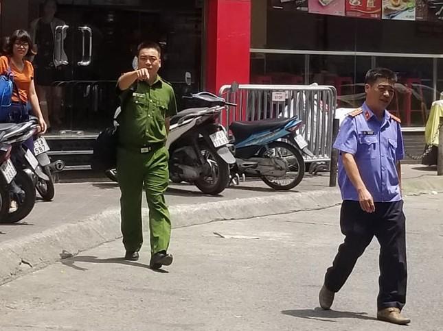 Khởi tố, khám xét văn phòng của luật sư Trần Vũ Hải ở Hà Nội ảnh 5