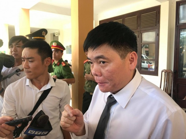 Khởi tố, khám xét văn phòng của luật sư Trần Vũ Hải ở Hà Nội ảnh 4