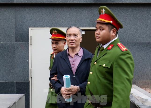 Kiểm sát viên: 'Ông Nguyễn Bắc Son phải là tấm gương đạo đức nhưng lại tha hóa' ảnh 2