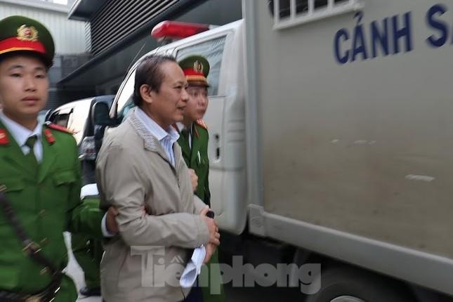 Kiểm sát viên: 'Ông Nguyễn Bắc Son phải là tấm gương đạo đức nhưng lại tha hóa' ảnh 1