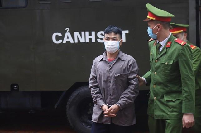 Tài xế container đâm Innova lùi trên cao tốc bị phạt hơn 4 năm tù ảnh 1