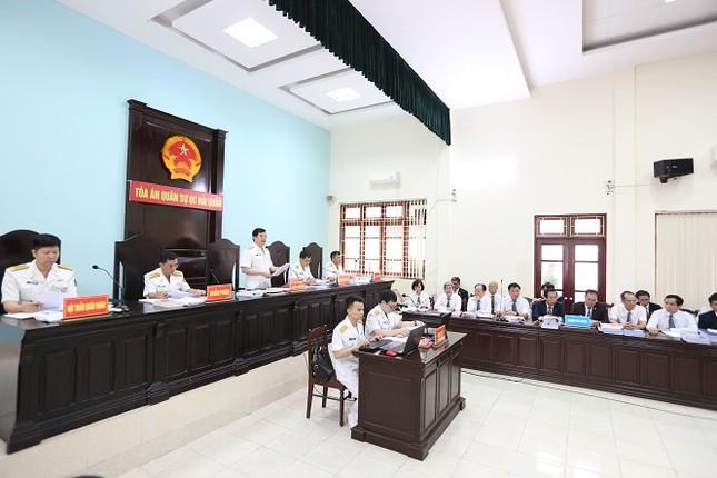 Xét xử Đô đốc Nguyễn Văn Hiến: Út 'trọc' cầm cố đất quốc phòng lấy tiền xây BOT ảnh 1