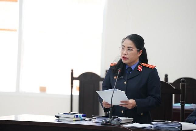 Nâng giá thiết bị chống COVID, Giám đốc CDC Hà Nội bị đề nghị 11 năm tù ảnh 1
