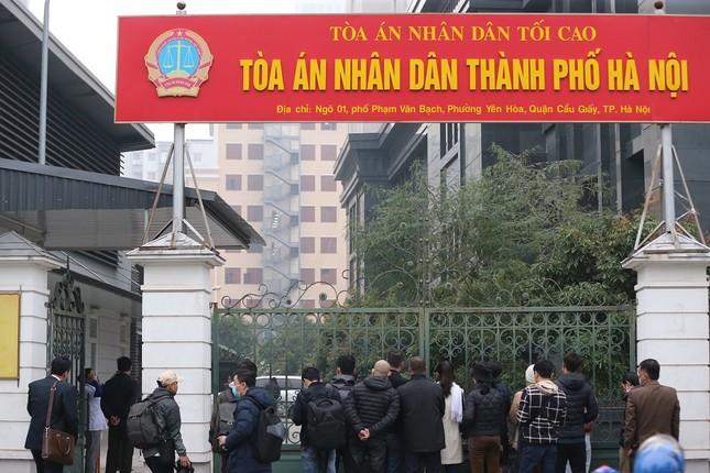 Thắt chặt an ninh tại phiên tòa xử cựu Chủ tịch Hà Nội Nguyễn Đức Chung ảnh 1
