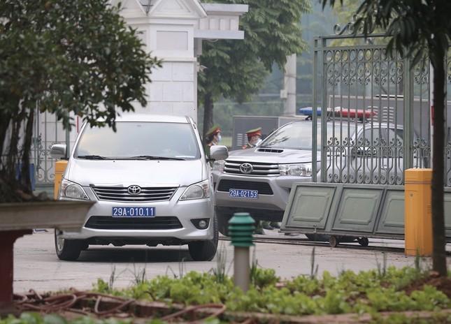 Thắt chặt an ninh tại phiên tòa xử cựu Chủ tịch Hà Nội Nguyễn Đức Chung ảnh 4