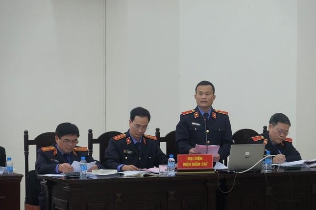 Viện kiểm sát: Ông Đinh La Thăng vô trách nhiệm khi yêu cầu chỉ định thầu cho PVC ảnh 1