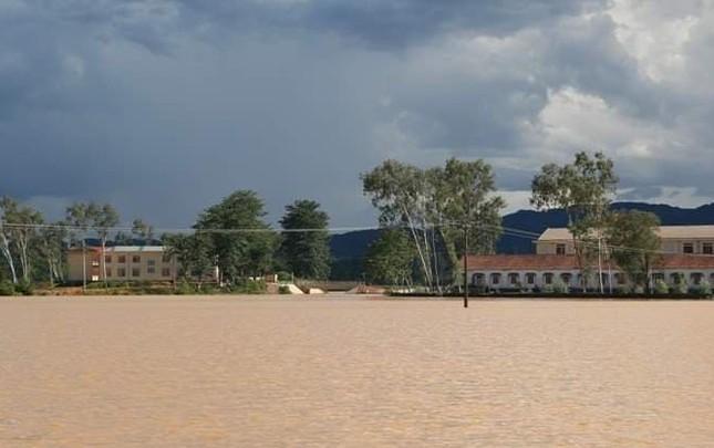 Miền Bắc sắp rét, các tỉnh Trung Bộ 'đón' mưa rất lớn ảnh 2