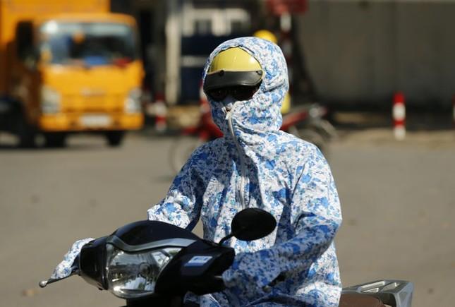 Bao giờ Hà Nội và miền Bắc kết thúc đợt nắng nóng kỷ lục? ảnh 1