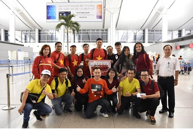 Sao Việt tập nập lên đường đi Thường Châu để ủng hộ U23 Việt Nam ảnh 2