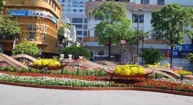 Ngắm đường hoa Nguyễn Huệ trước giờ khai mạc ảnh 5