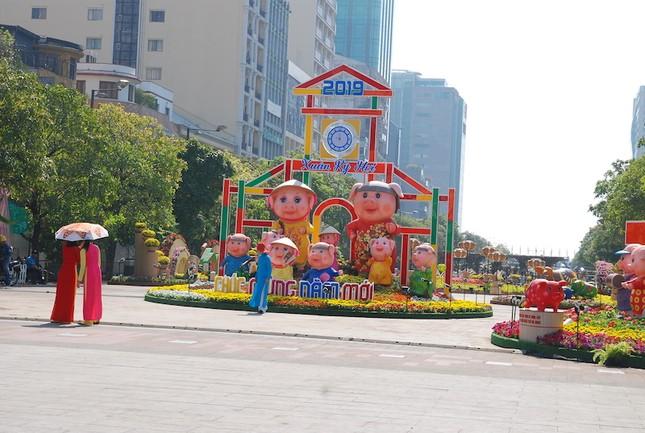 Ngắm đường hoa Nguyễn Huệ trước giờ khai mạc ảnh 6