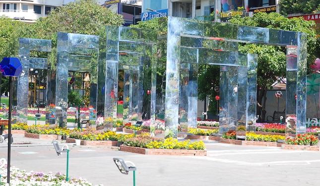 Ngắm đường hoa Nguyễn Huệ trước giờ khai mạc ảnh 10