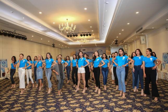Thí sinh Miss World Việt Nam hội tụ khoe sắc, tạo dáng tập catwalk ảnh 3