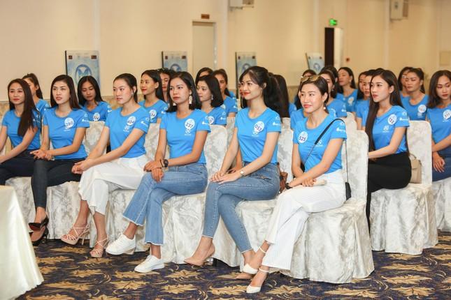 Thí sinh Miss World Việt Nam hội tụ khoe sắc, tạo dáng tập catwalk ảnh 5