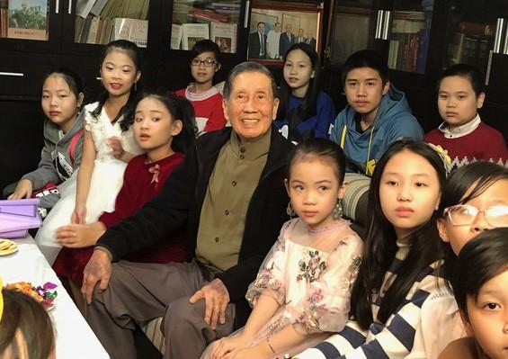 Sau 16 năm sáng tác, bài hát dạy rửa tay của nhạc sĩ Phạm Tuyên ra mắt ảnh 3