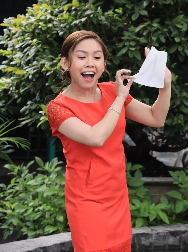 Nghệ sỹ cải lương Bình Tinh: 'Mùa COVID tôi livestream hát cải lương và bán hàng online' ảnh 2