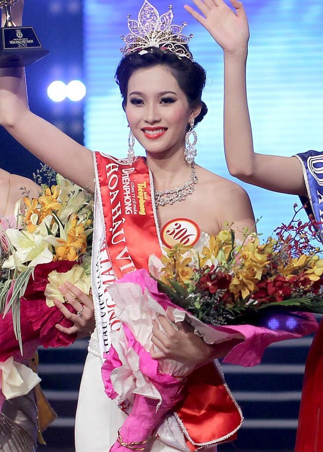 Hoa hậu Việt Nam 2020: Sẽ có những dự án tôn vinh đội ngũ phòng chống COVID-19 ảnh 26