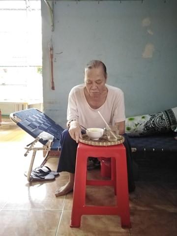 Gia cảnh nghèo khó của nhạc sỹ Trần Quang Lộc đang nguy kịch vì ung thư ảnh 5