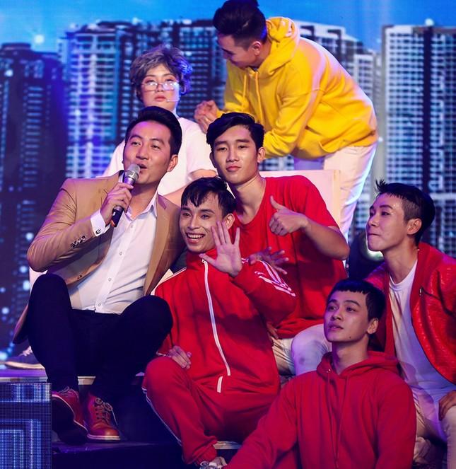 Hàng trăm nghệ sỹ miền Đông Nam bộ hát mừng Sài Gòn 44 năm mang tên Bác Hồ ảnh 1