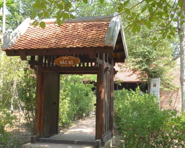 Độc đáo căn nhà truyền thống của đồng bằng Bắc bộ ở TP.HCM ảnh 1