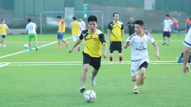 Đội bóng Tiền Phong vào tứ kết Cup Trung Thành 2017 ảnh 9