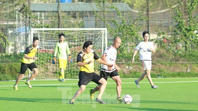 Đội bóng Tiền Phong vào tứ kết Cup Trung Thành 2017 ảnh 8