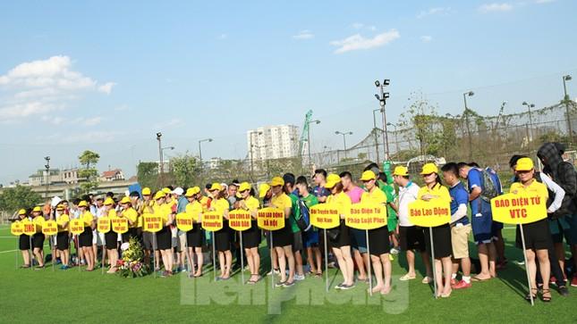 Đội bóng Tiền Phong vào tứ kết Cup Trung Thành 2017 ảnh 2