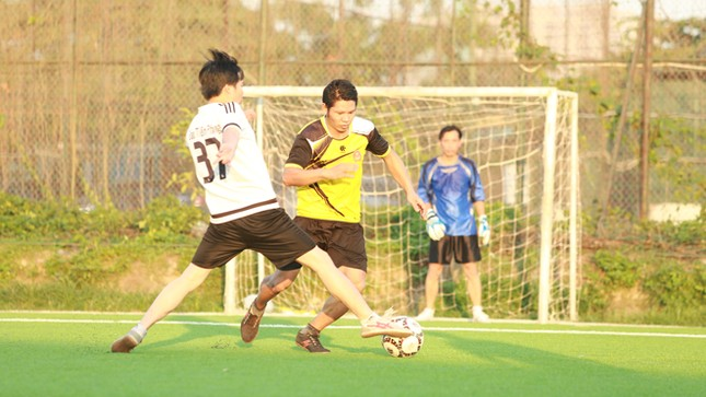 Đội bóng Tiền Phong vào tứ kết Cup Trung Thành 2017 ảnh 7