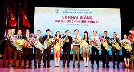 Bảo Việt trao hơn 5 tỷ đồng học bổng nhân dịp khai giảng ảnh 2