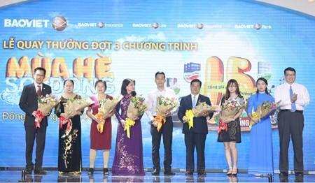 Khách hàng Bảo Việt trúng ô tô Mercedes trị giá 1,5 tỷ đồng ảnh 1