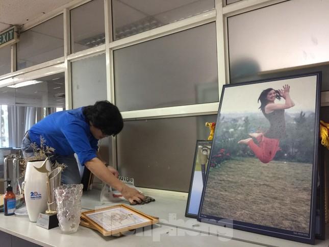 Đoàn Thanh niên Báo Tiền phong vệ sinh công sở phòng chống dịch Covid-19 ảnh 10