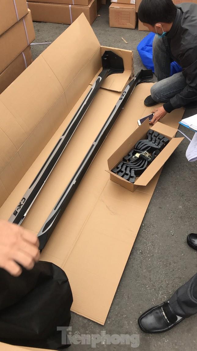 Cận cảnh container phụ kiện ô tô Trung Quốc không khai báo hải quan ảnh 6