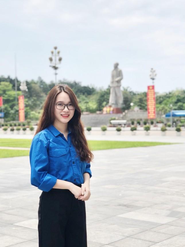 Nữ Đảng viên 9X tài năng, say mê công tác Đoàn trường Đại học Kinh tế Quốc dân ảnh 5