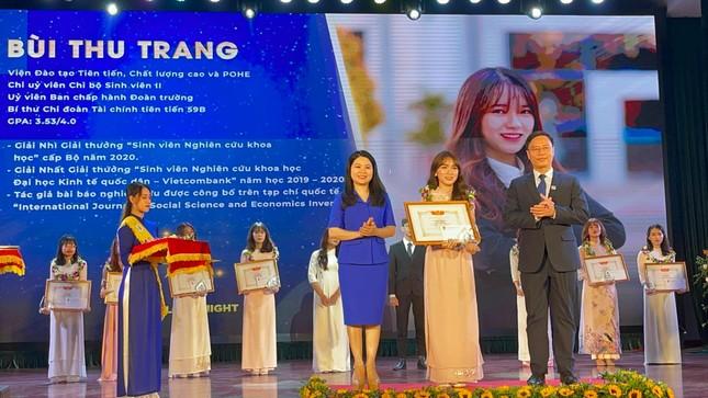 Nữ Đảng viên 9X tài năng, say mê công tác Đoàn trường Đại học Kinh tế Quốc dân ảnh 2