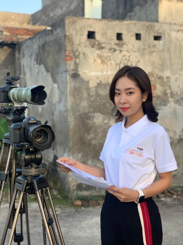 """Tâm sự tuổi 20 của nữ sinh trường Đoàn: Hành trình """"Cánh én"""" lột xác, trở thành MC VTV ảnh 13"""