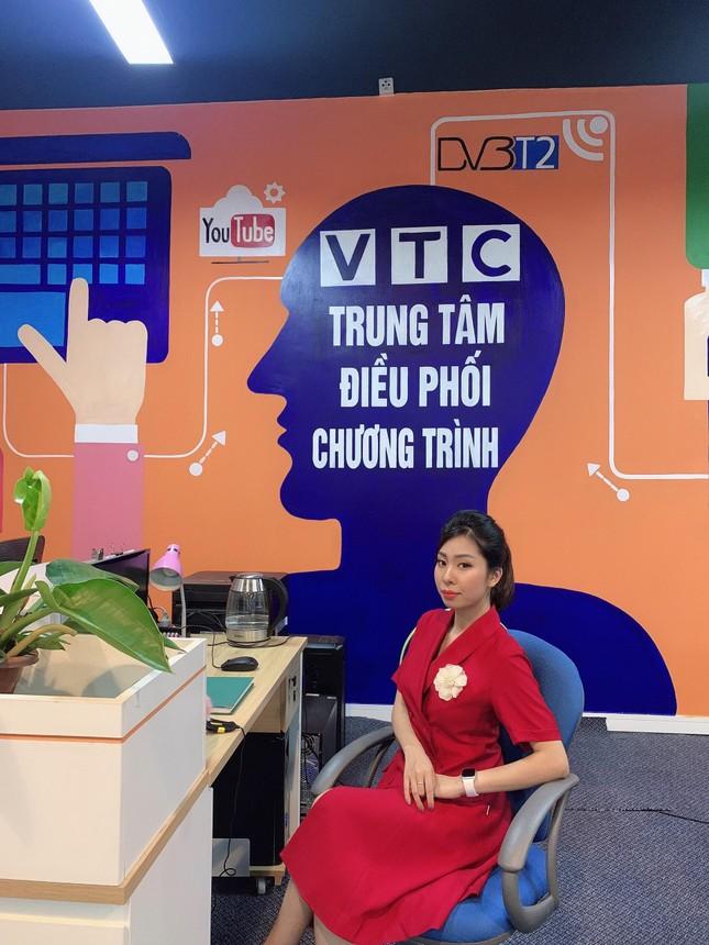 """Tâm sự tuổi 20 của nữ sinh trường Đoàn: Hành trình """"Cánh én"""" lột xác, trở thành MC VTV ảnh 3"""