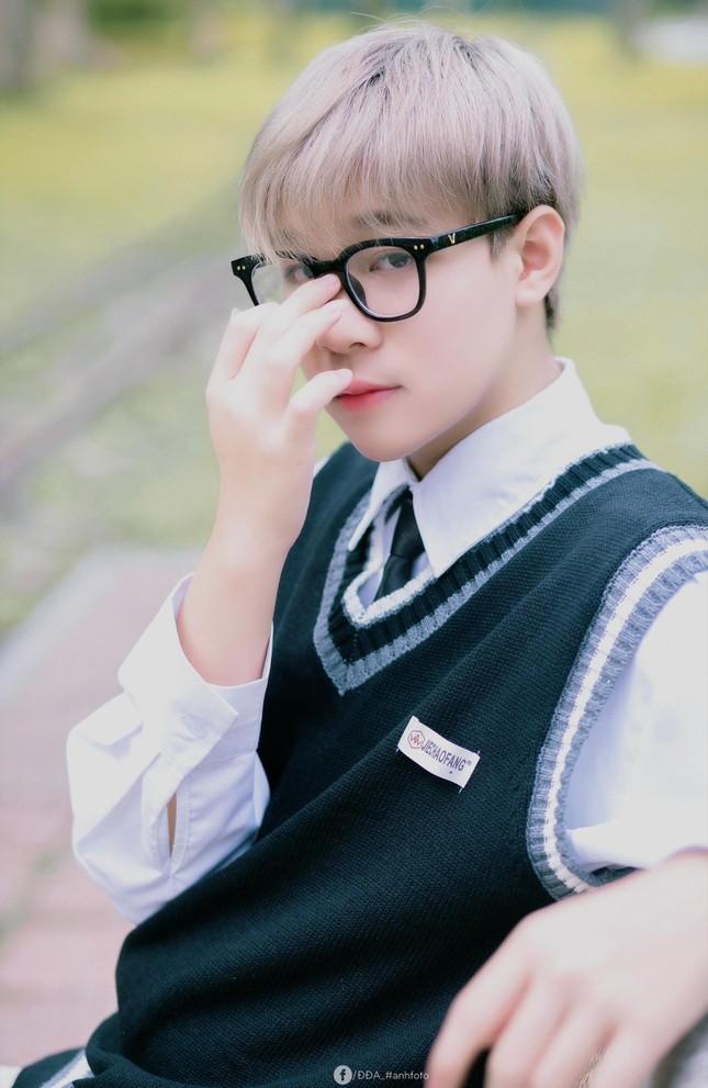 """Hotboy 2K3 lai Trung chuẩn """"con nhà người ta"""", vừa đẹp trai lại học giỏi ảnh 2"""