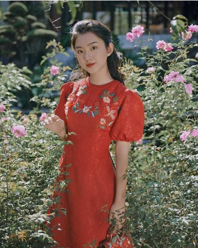 Nữ sinh 2001 xinh đẹp, học giỏi đúng chất con nhà người ta ảnh 2