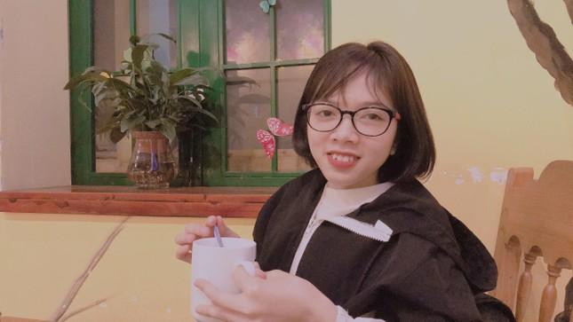 Cô gái vượt lên những khiếm khuyết để trở thành tân cử nhân ngành Luật ảnh 1