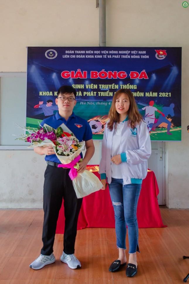 Khai mạc giải Bóng đá sinh viên khoa Kinh tế và Phát triển Nông thôn, Học viện Nông nghiệp ảnh 8