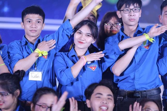 """Nữ sinh viên Học viện Nông nghiệp Việt Nam """"cháy hết mình"""" với phong trào tình nguyện ảnh 3"""
