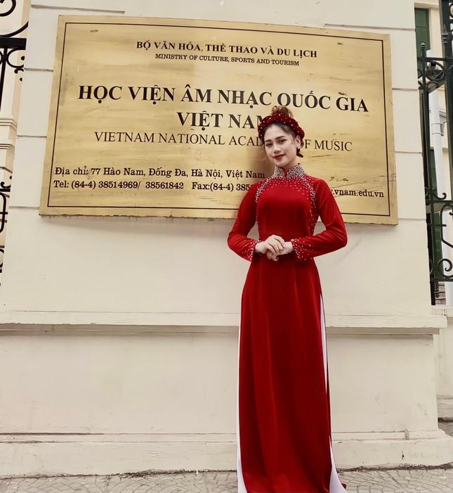 Nữ sinh Nhạc viện nhận được 1,3 triệu người xem chỉ sau một đêm trên Tiktok  ảnh 2