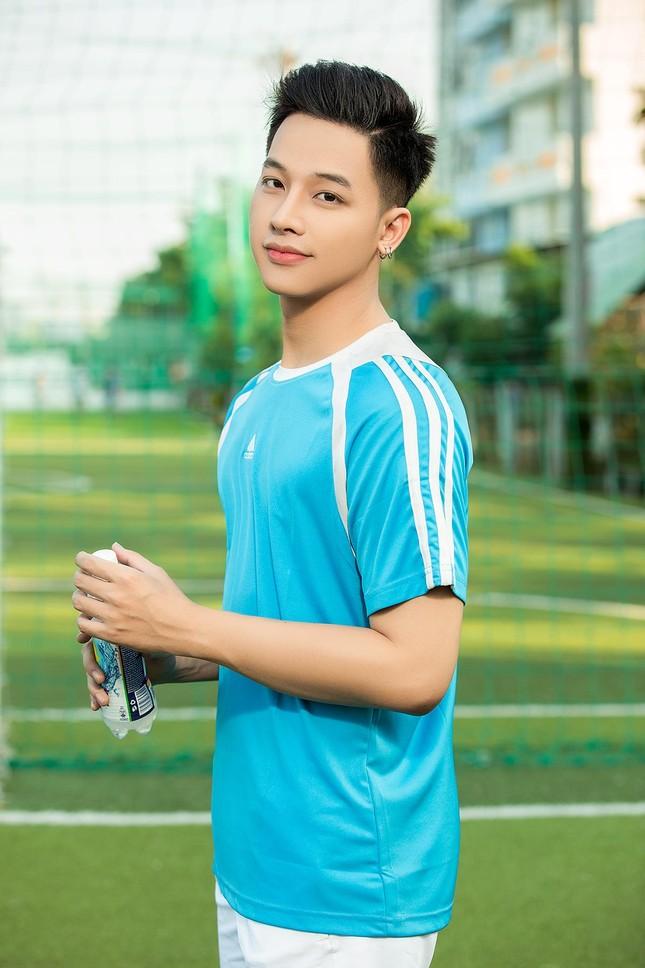 Ngỡ ngàng chàng mẫu Việt đầy tài năng bị nhiều người hiểu nhầm là người Thái ảnh 11