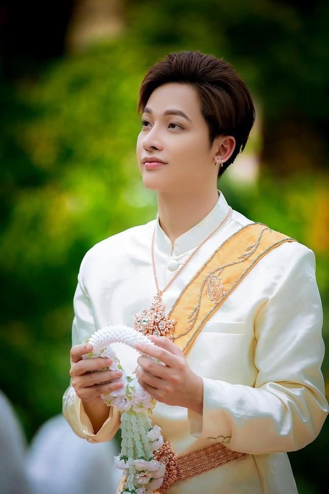 Ngỡ ngàng chàng mẫu Việt đầy tài năng bị nhiều người hiểu nhầm là người Thái ảnh 2