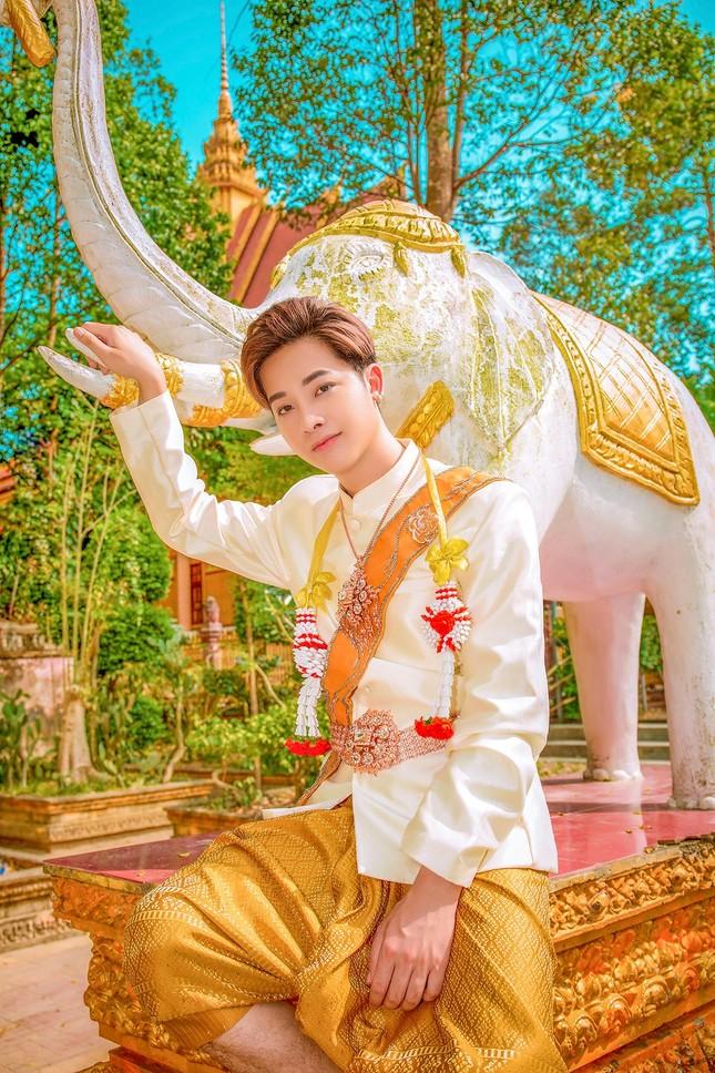 Ngỡ ngàng chàng mẫu Việt đầy tài năng bị nhiều người hiểu nhầm là người Thái ảnh 1