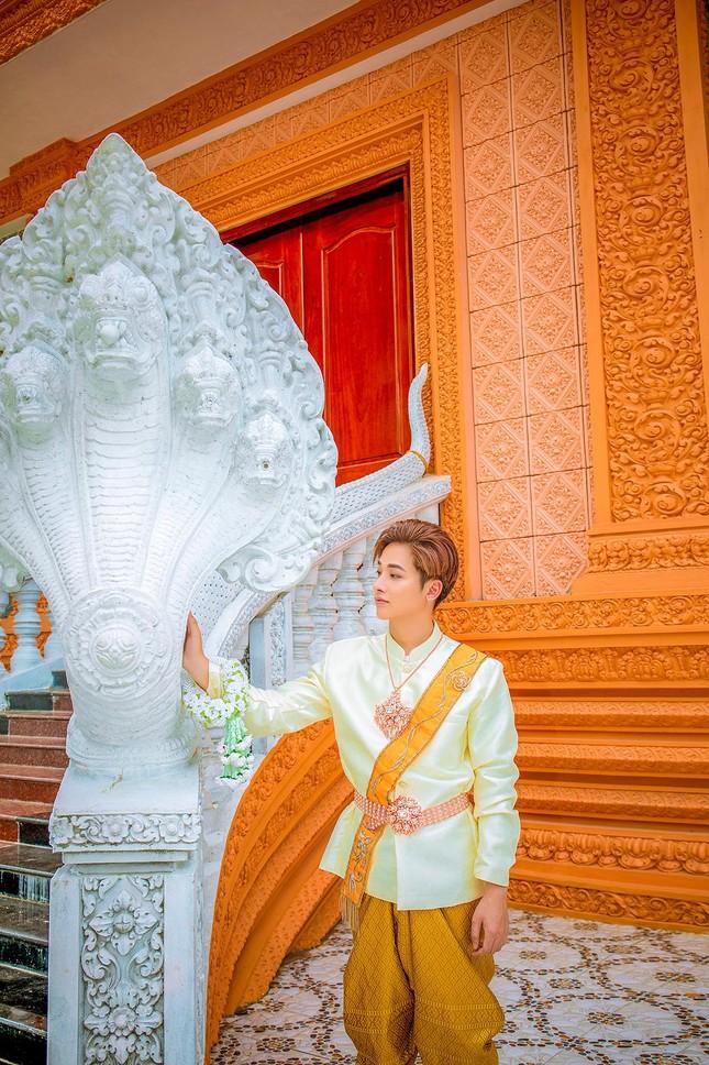 Ngỡ ngàng chàng mẫu Việt đầy tài năng bị nhiều người hiểu nhầm là người Thái ảnh 5