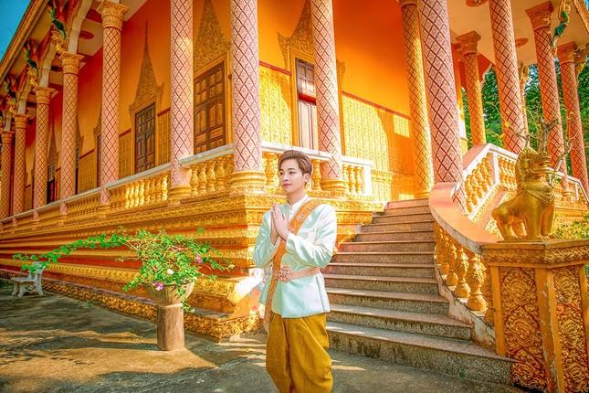 Ngỡ ngàng chàng mẫu Việt đầy tài năng bị nhiều người hiểu nhầm là người Thái ảnh 6