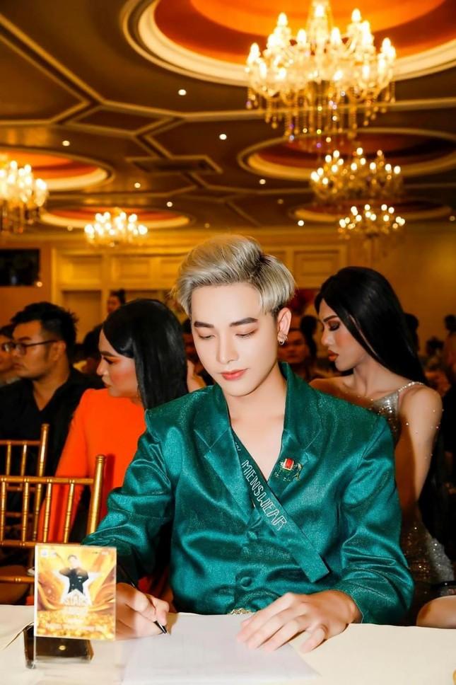 Ngỡ ngàng chàng mẫu Việt đầy tài năng bị nhiều người hiểu nhầm là người Thái ảnh 12