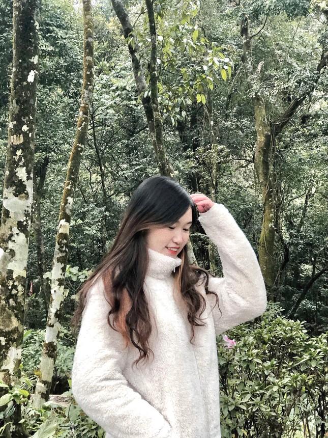Nữ sinh viên Hà Thành xinh đẹp đam mê với thiện nguyện ảnh 4